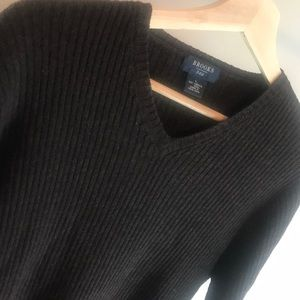 Brooks Brothers 346 Ribbed V-Neck Wool Sweater - L
